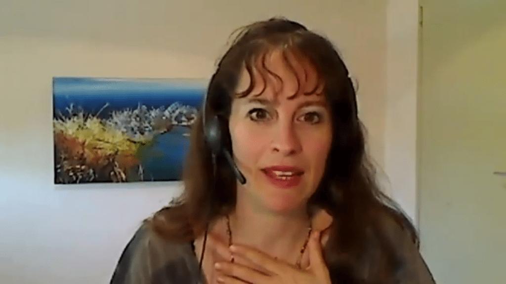 סאלי תדמור מספרת על מה שלמדה מסבא מק שייבה