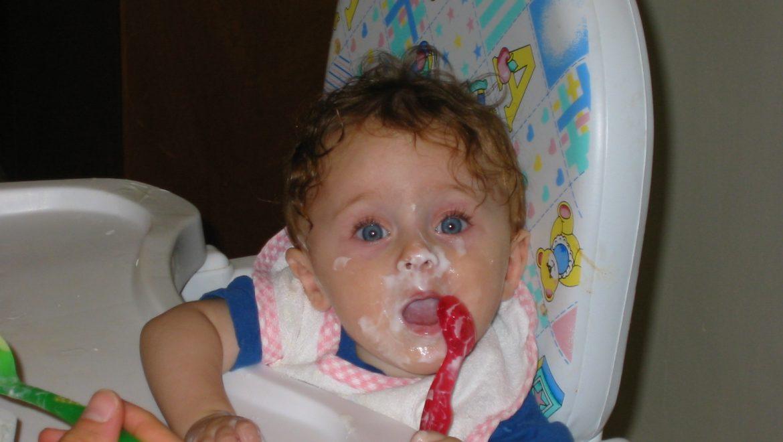 למה להכריח ילדים לאכול חושף אותם לפגיעה מינית