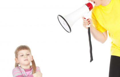 מה שימוש בכעס על ילדים מלמד אותם